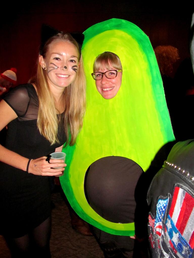 How amazing does Katie look in her preggers avocado costume!!