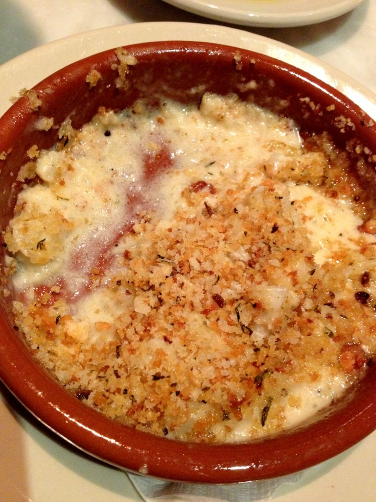Cheesy cauliflower with fennel - SO GOOD.