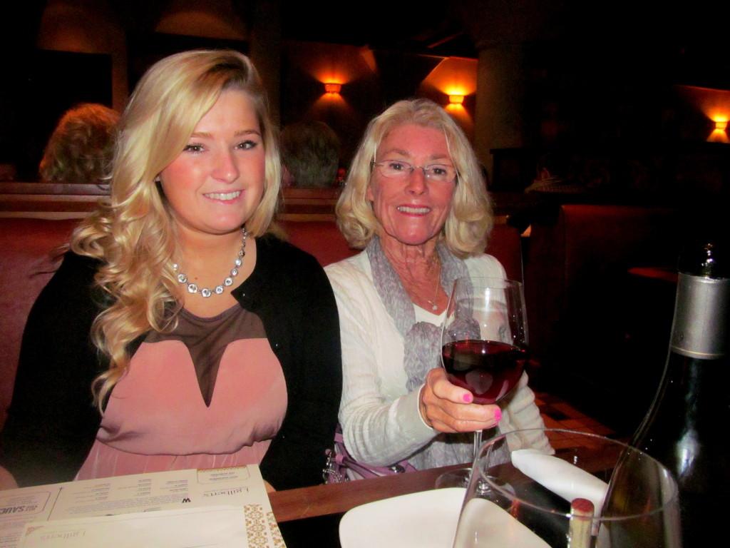 Hannah, Mom, and zee vino!