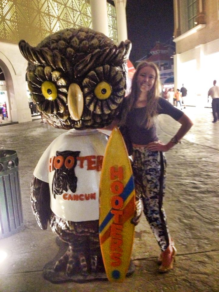Chillin' with the Hooters mascot.